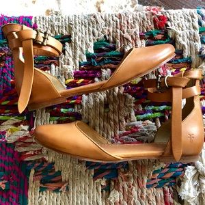 Frye Tan Cognac Leather Flats w/ Ankle Straps 9